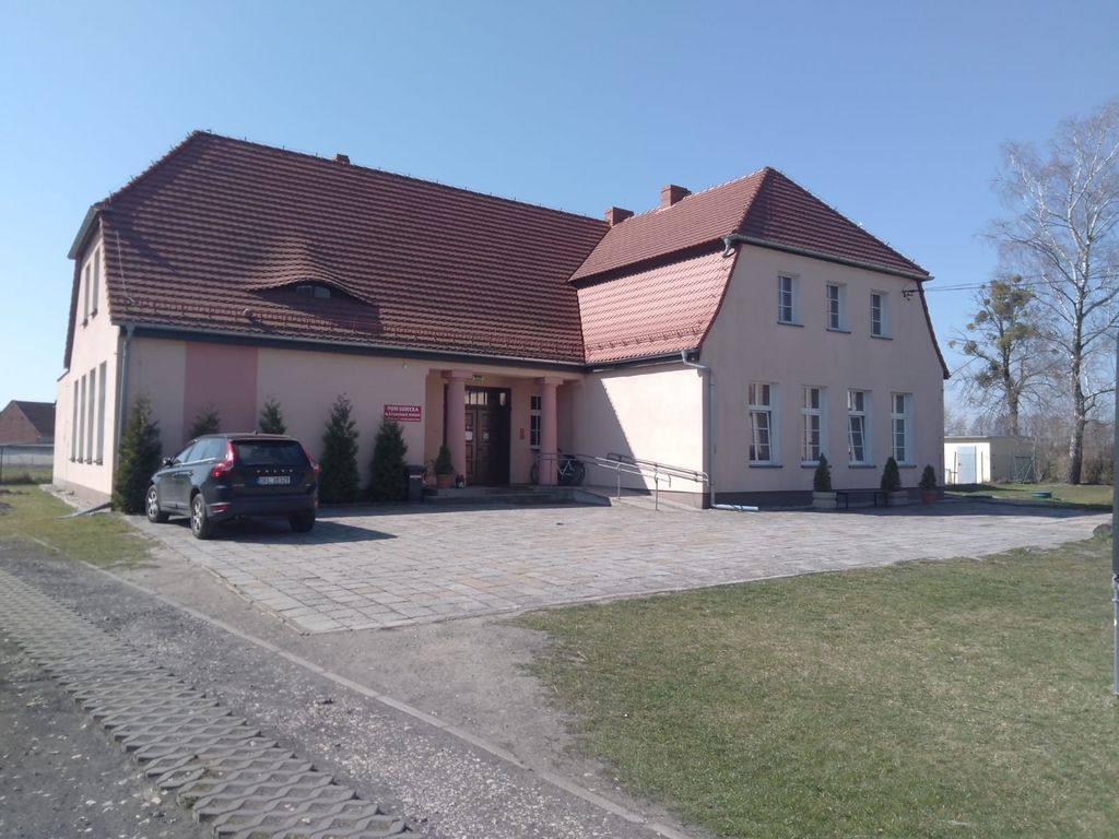 Dom dziecka w Lasowicach Małych